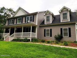 Photo of 101 N Castle Ct, Milford, PA 18437 (MLS # 18-3804)