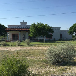 Photo of 530 Wildwest Dr, Del Rio, TX 78840 (MLS # 1185756)
