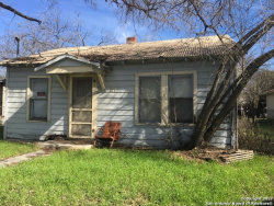 Photo of 1623 CHAPMAN ST, Seguin, TX 78155 (MLS # 1249380)