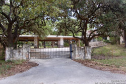 Photo of 125 MITCHELL DR, Spring Branch, TX 78070 (MLS # 1263544)