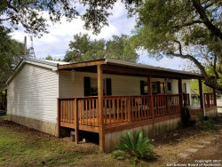 Photo of 118 Cedar St, Pipe Creek, TX 78063 (MLS # 1274469)