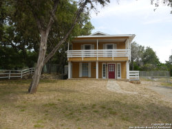 Photo of 154 BLUE GILL DR, Pipe Creek, TX 78063 (MLS # 1328410)