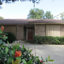 Photo of 154 FOREST DR, Seguin, TX 78155 (MLS # 1417466)