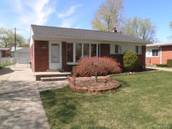 Photo of 1301 N SELFRIDGE BLVD, Clawson, MI 48017 (MLS # 21353081)