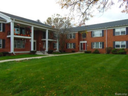 Photo of 27543 W ECHO, Farmington Hills, MI 48334 (MLS # 21396017)