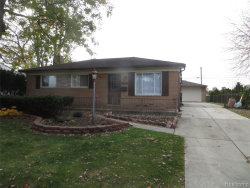 Photo of 37159 BARRINGTON DR, Sterling Heights, MI 48312-2115 (MLS # 30783499)