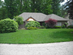 Photo of 48932 golden oaks, Utica, MI 48317 (MLS # 31320646)