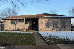 Photo of 39536 Pinebrook Dr, Sterling Heights, MI 48310 (MLS # 31365711)