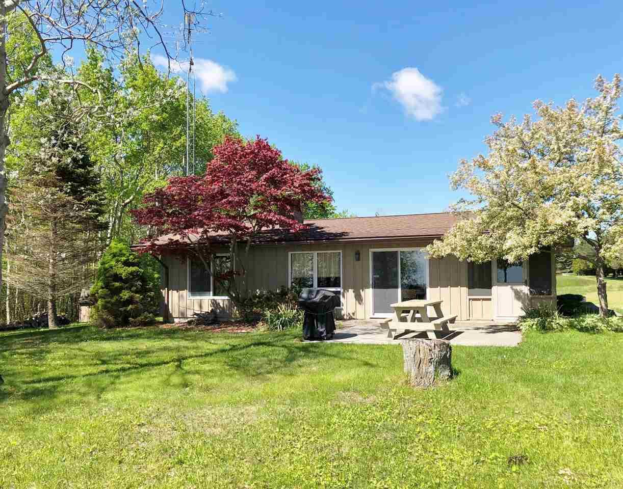 Photo for 6646 N Lakeshore Rd, Palms, MI 48465 (MLS # 31382442)