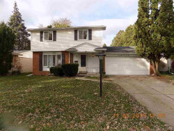 Photo of 38525 COVINGTON DR, Sterling Heights, MI 48312-1311 (MLS # 31399439)