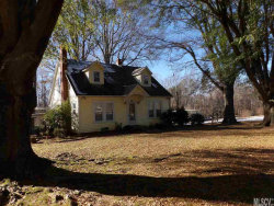 Photo of 233 CAPE HICKORY RD, Hickory, NC 28601 (MLS # 9597081)