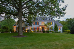 Photo of 16 Hawthorne Estates, Town and Country, MO 63131-3029 (MLS # 17050682)