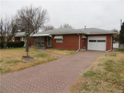 Photo of 143 Hickory, Wood River, IL 62095-1349 (MLS # 17095894)