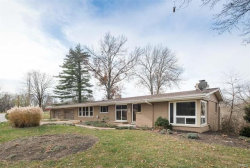 Photo of 233 Valley View, Chesterfield, MO 63005-4002 (MLS # 18009663)