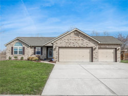 Photo of 116 Crystal Gate, Glen Carbon, IL 62034-1141 (MLS # 18028879)