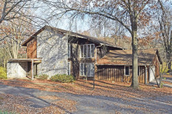 Photo of 808 Mason Wood, Town and Country, MO 63141-8533 (MLS # 18035725)