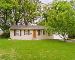 Photo of 822 Hawkins Court, Webster Groves, MO 63126-1215 (MLS # 18039008)