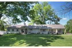 Photo of 45 Conwood, St Louis, MO 63131-2402 (MLS # 18039664)