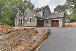 Photo of 5 Colonial Hills Parkway, Ladue, MO 63141 (MLS # 18069735)