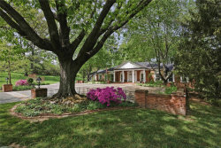 Photo of 9 Country Estates Place, Frontenac, MO 63131-3411 (MLS # 18072195)