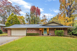 Photo of 40 Narragansett Drive, Ladue, MO 63124 (MLS # 18084499)