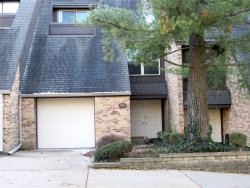 Photo of 954 Somerfor Place, Creve Coeur, MO 63141-6221 (MLS # 18092351)