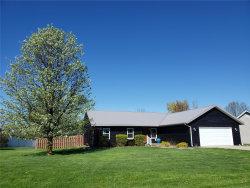 Photo of 118 Lakewood Drive, Hillsboro, IL 62049 (MLS # 19027303)