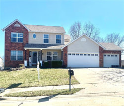Photo of 2704 Hunters Ridge, Edwardsville, IL 62025 (MLS # 20008041)