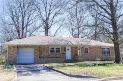 Photo of 860 Madison Avenue, Edwardsville, IL 62025-2324 (MLS # 20020045)