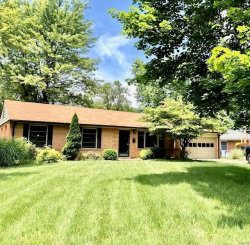 Photo of 1 Bromley, St Louis, MO 63135-1305 (MLS # 20021776)