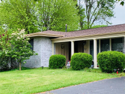 Photo of 1108 Brittany Pkwy Drive, Manchester, MO 63011-4373 (MLS # 20031049)