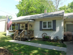 Photo of 635 Hickory Street, Hillsboro, IL 62049 (MLS # 20035234)