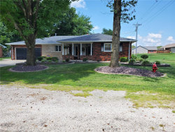 Photo of 1011 Montgomery Street, Carlyle, IL 62231 (MLS # 20053070)