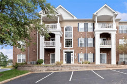 Photo of 13101 Mill Crossing Court , Unit 105, Creve Coeur, MO 63141-6184 (MLS # 20070790)