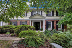 Photo of 138 Bellington Lane, Creve Coeur, MO 63141 (MLS # 20071074)