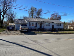 Photo of 435 South Jackson Avenue, Lebanon, MO 65536 (MLS # 20082490)