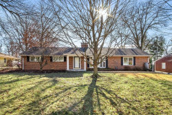 Photo of 8 Tealwood Drive, Creve Coeur, MO 63141-7908 (MLS # 21000910)