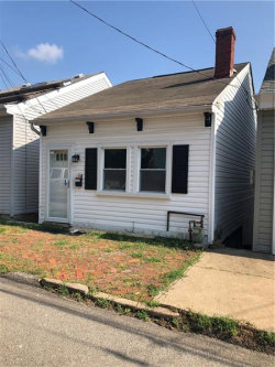 Photo of 1923 Huron St, South Side, PA 15203 (MLS # 1412180)