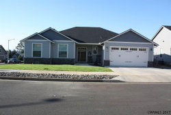 Photo of 112 Four Oaks Dr, Silverton, OR 97381 (MLS # 721630)
