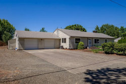 Photo of 33516 Lucky Wy, Lebanon, OR 97355-9606 (MLS # 722501)