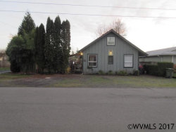 Photo of 412 Lincoln St, Silverton, OR 97381 (MLS # 727180)