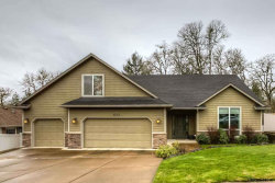 Photo of 533 NW Ashley Ct, Dallas, OR 97338 (MLS # 729591)