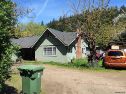 Photo of 1215 S Water St, Silverton, OR 97381 (MLS # 737662)