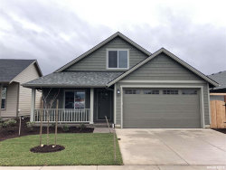 Photo of 1673 SE Osoberry St, Dallas, OR 97338 (MLS # 737772)