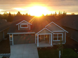 Photo of 880 Covey Run St, Independence, OR 97351-0000 (MLS # 739152)