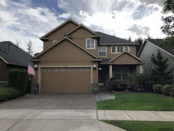 Photo of 708 Fairwood Crescent Dr, Woodburn, OR 97071 (MLS # 739310)