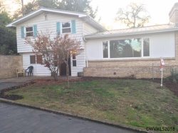 Photo of 952 SW Hunter St, Dallas, OR 97338 (MLS # 739356)