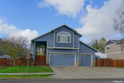 Photo of 1521 Lakeview Dr, Silverton, OR 97381-8746 (MLS # 745241)