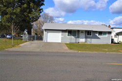 Photo of 2333 W Hayes St, Woodburn, OR 97071 (MLS # 745919)