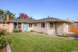 Photo of 1424 Jefferson St SE, Albany, OR 97322 (MLS # 746950)
